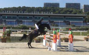 Saut d'un cheval participant au GPA Jump festival