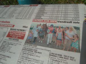 Photo de la remise des prix du Motel Ascot dans le Nice-Matin